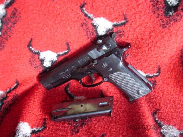 Smith &Wesson M-59 9MM Blue 2Hi-cap Mag. 95%  Guns > Pistols > Smith & Wesson Pistols - Autos > Alloy Frame