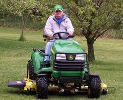 LOW HOURS JOHN DEERE X724 4-WHEEL STEER RIDING MOWER/TRACTOR  Non-Guns > Miscellaneous