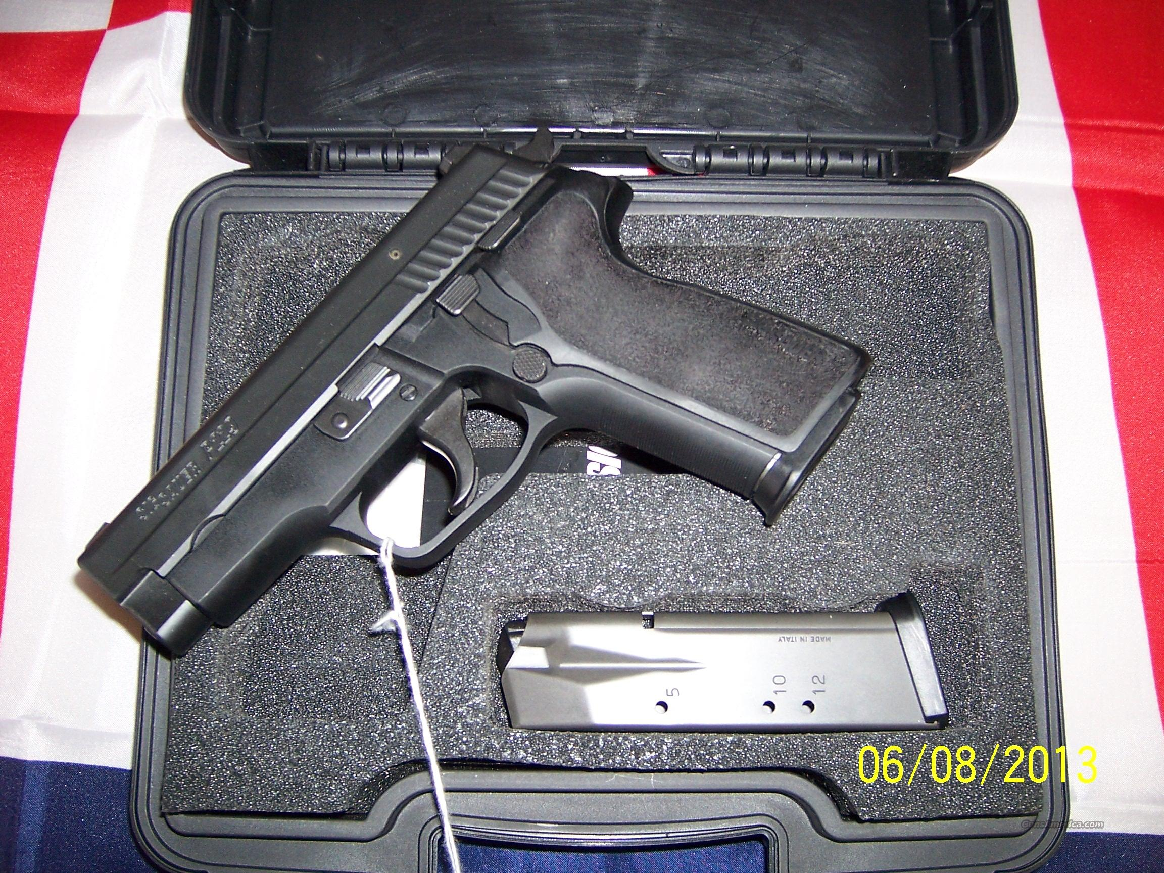 sig sauer p229 40 2 mags  Guns > Pistols > Sig - Sauer/Sigarms Pistols > P229