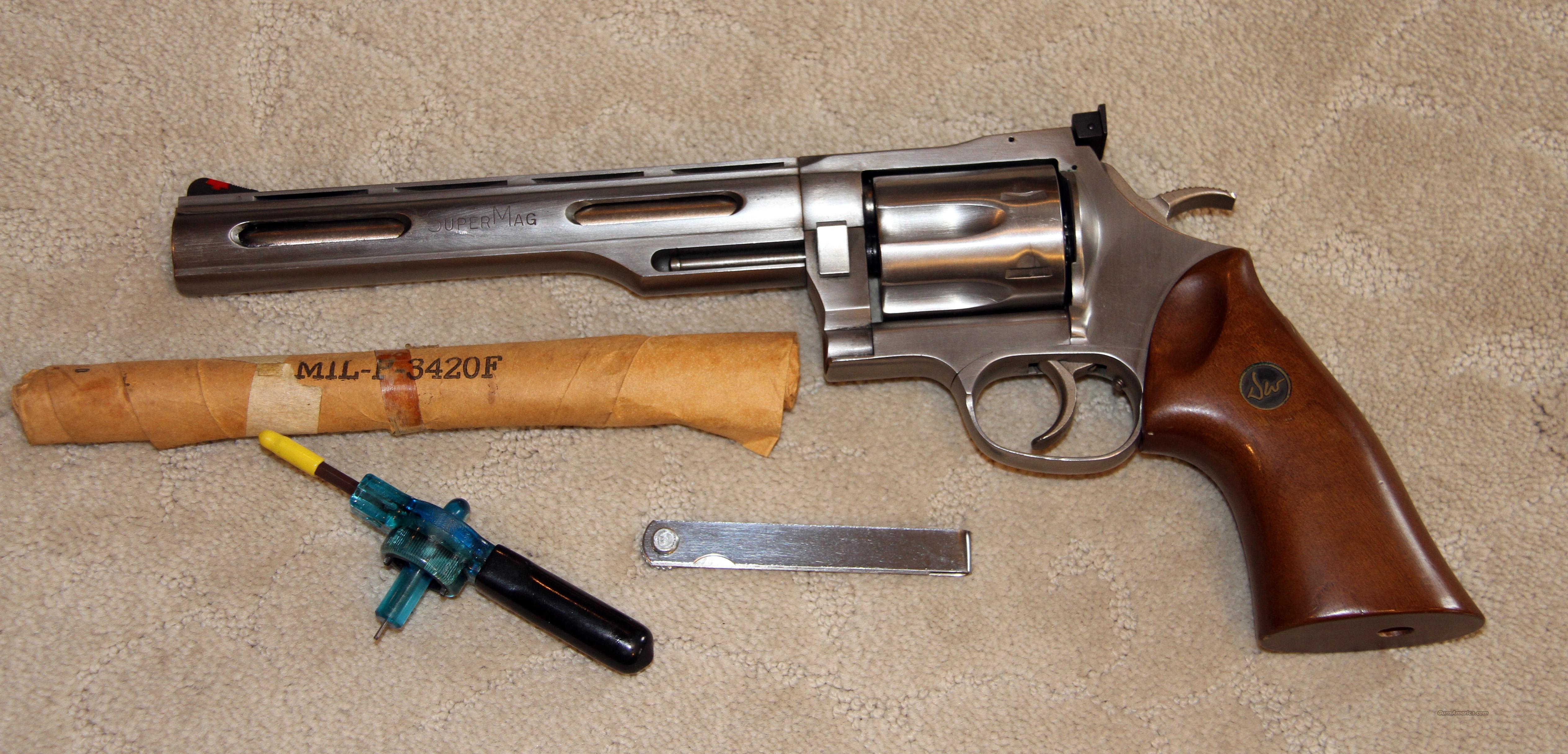 Like New Dan Wesson 357 Super Mag (Maximum)   Guns > Pistols > Dan Wesson Pistols/Revolvers > Revolvers
