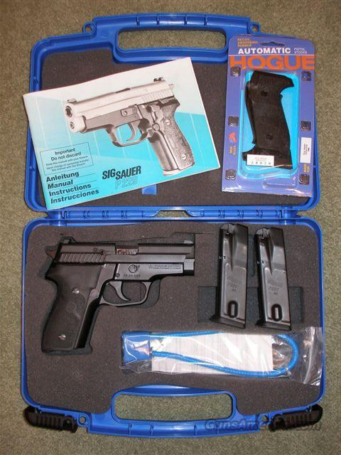 Sig Sauer P 229 40 SigLites Free Shipping!  Guns > Pistols > Sig - Sauer/Sigarms Pistols
